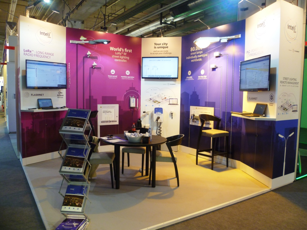 Standuri-pentru-expozițiile-InteliLIGHT®-Frankfurt